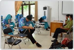 Pelaksanaan Ujian Akhir Semester Genap Tahun Ajaran 2015/2016 Berjalan Tertib dan Lancar